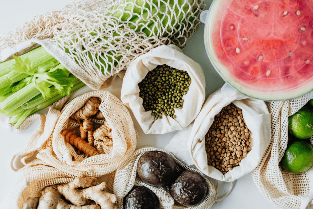 منتجات غذائية متنوعة ستساعدك على البقاء بصحة ممتازة.