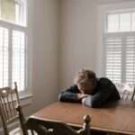 أهم الأطعمة التي تساعد على مكافحة الإكتئاب والتغلب عليه