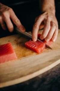 أطعمة غنية بفيتامين ب 12 : التونة