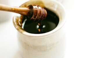 تنبيهات هامة حول تناول عسل الغابة السوداء الالماني