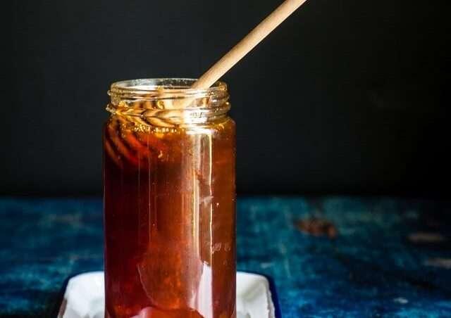 ما هي فوائد عسل الطلح، وماذا يميزه عن أنواع العسل الأخرى